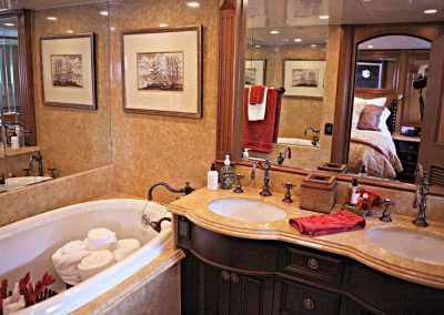 Endless-Summer---Master-Stateroom-bath